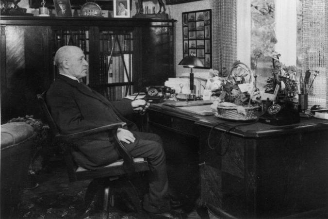Gustaf Erikson skötte rederiet själv från sitt hem och kontor i Mariehamn.